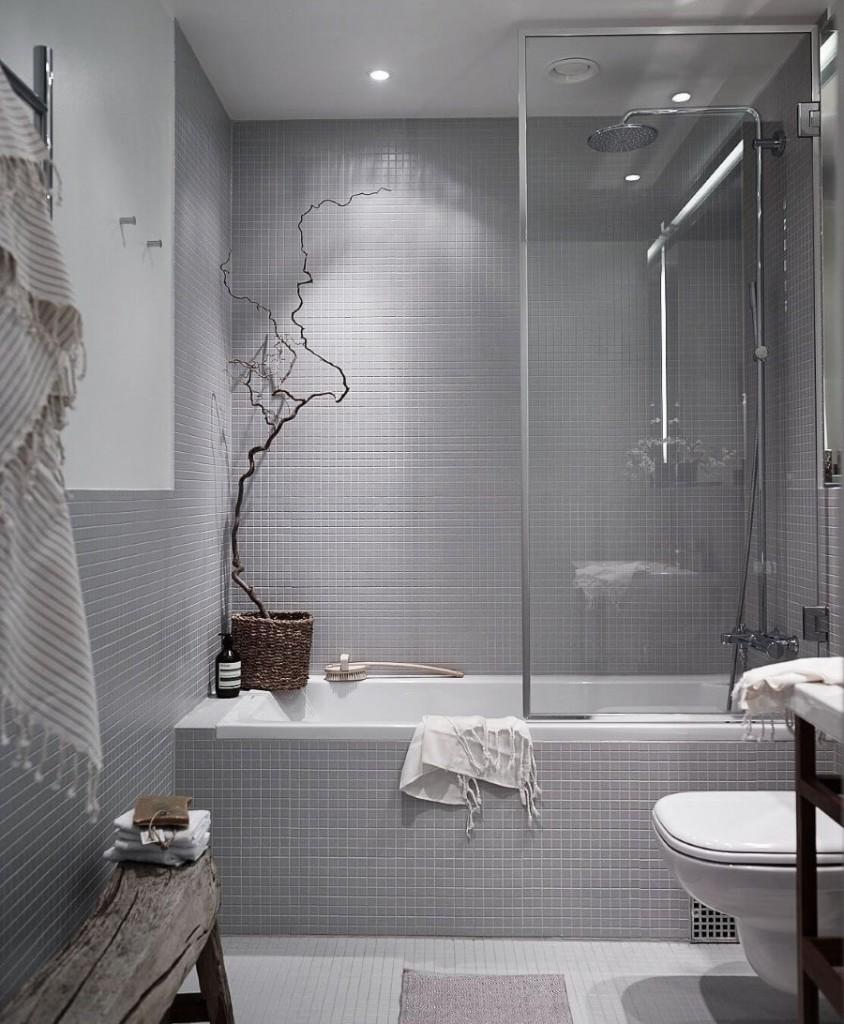Мелкая плитка серого цвета в ванной современного стиля