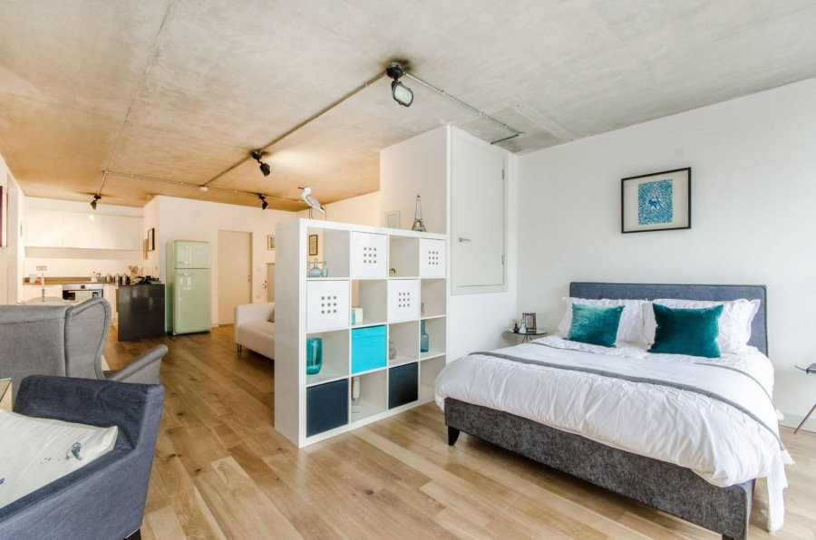 Бетонный потолок в квартире площадью около 42 кв метров