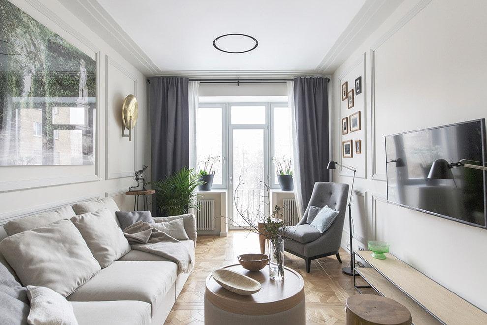 Серый шторы в гостиной с балконом