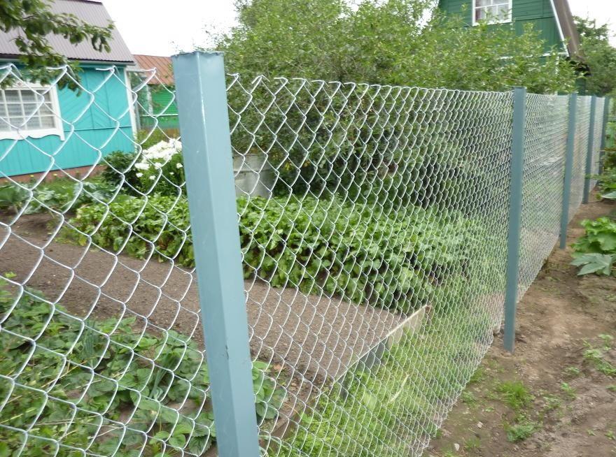 Забор из сетки рабицы без дополнительной фиксации