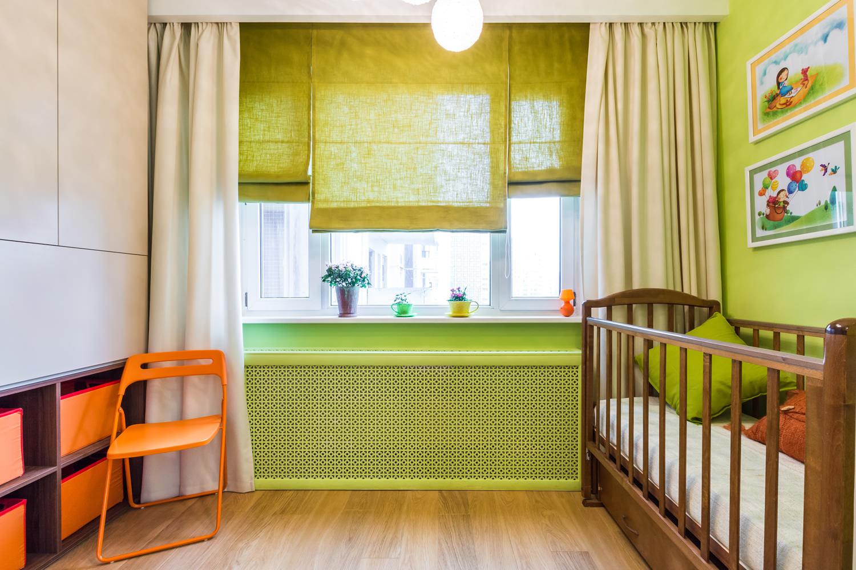 шторы в детскую комнату длинные и римские