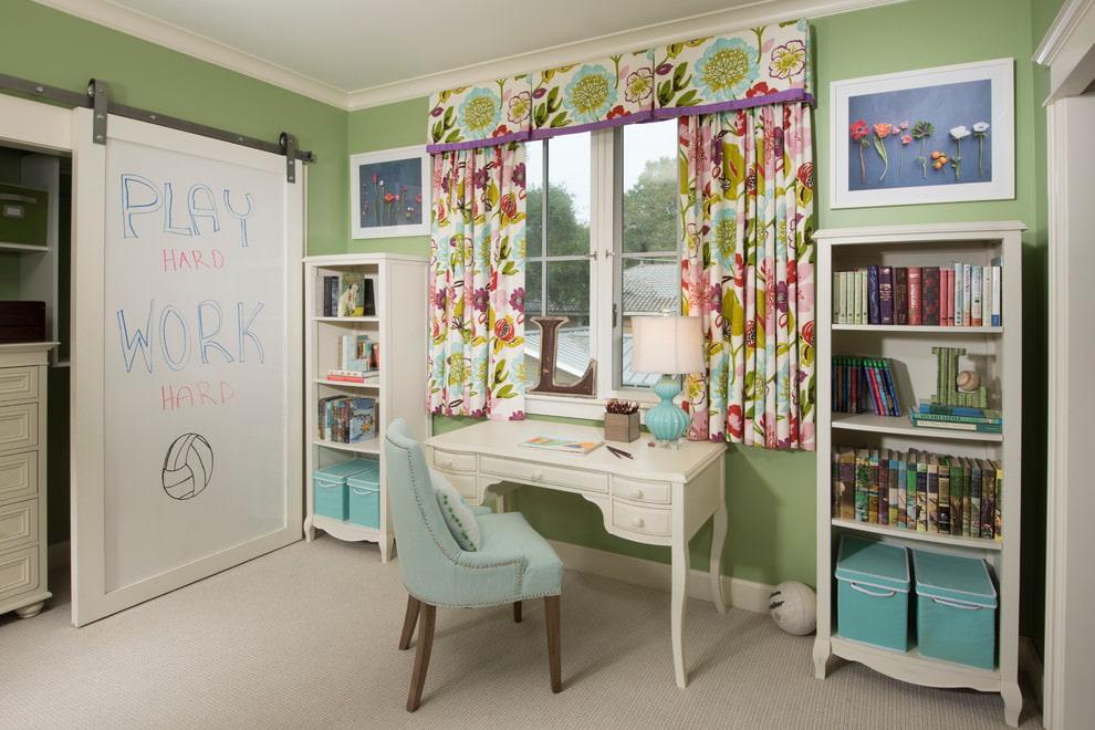 шторы в детскую комнату разноцветные
