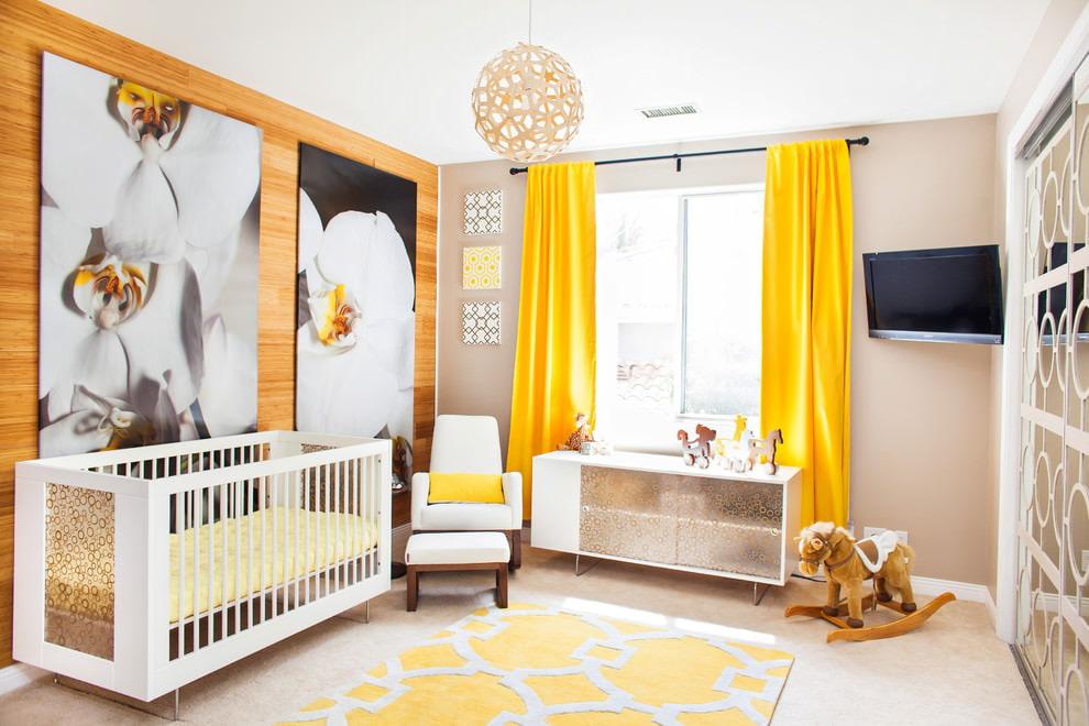 шторы в детскую комнату жёлтые