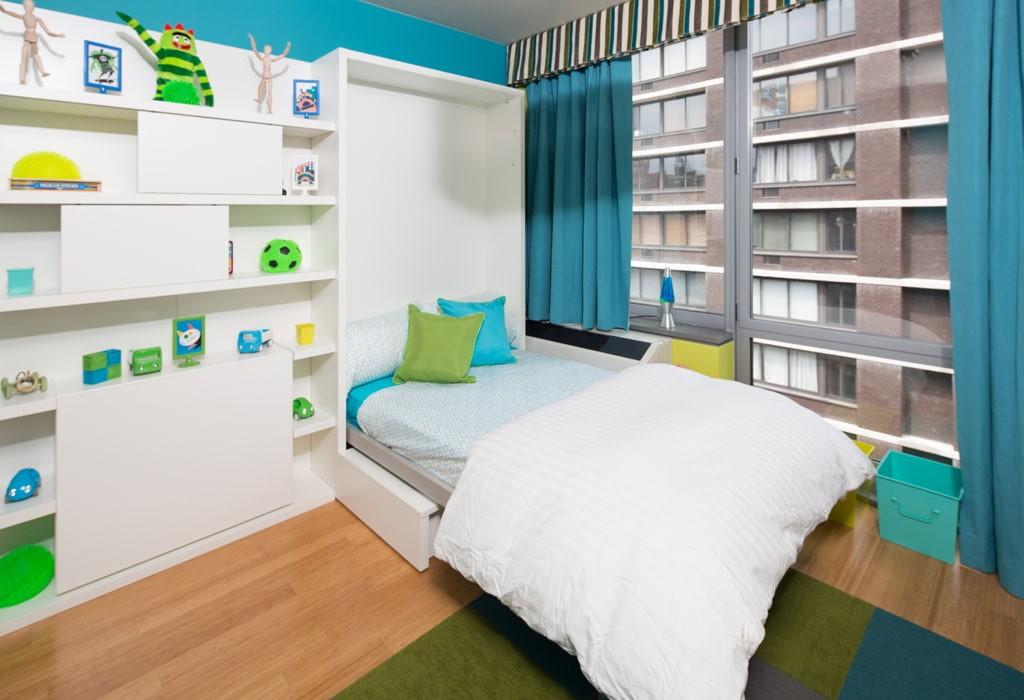 Откидная кровать в спальне мальчика-подростка
