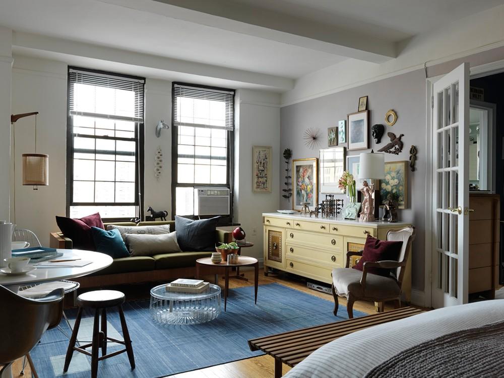 Гостиная комната в смешанном стиле интерьера