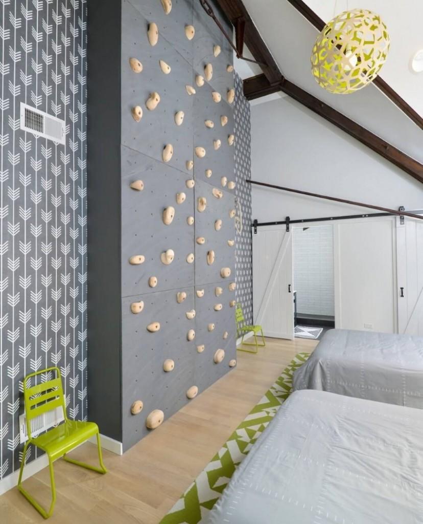 Стена для тренировки в комнате подростка