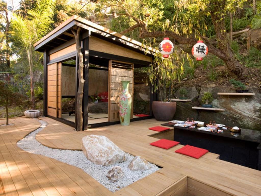 Оформление места для отдыха в восточном стиле