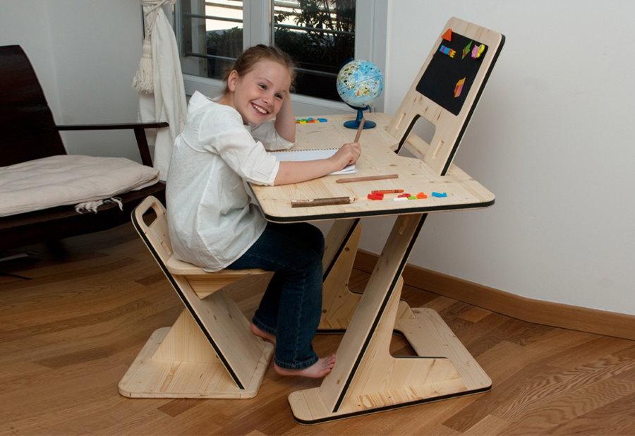 Стол для рисования и лепки из качественной фанеры