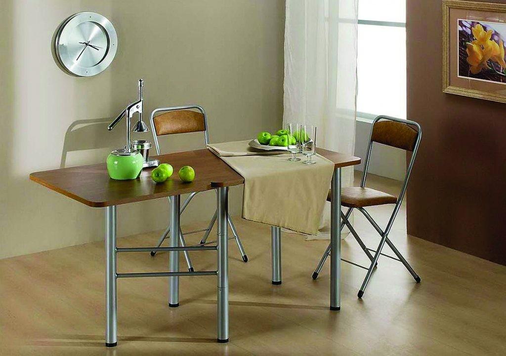 Раскладной стол-книжка для современной гостиной