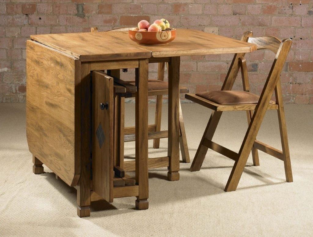 Деревянный стол-книжка для гостиной комнаты