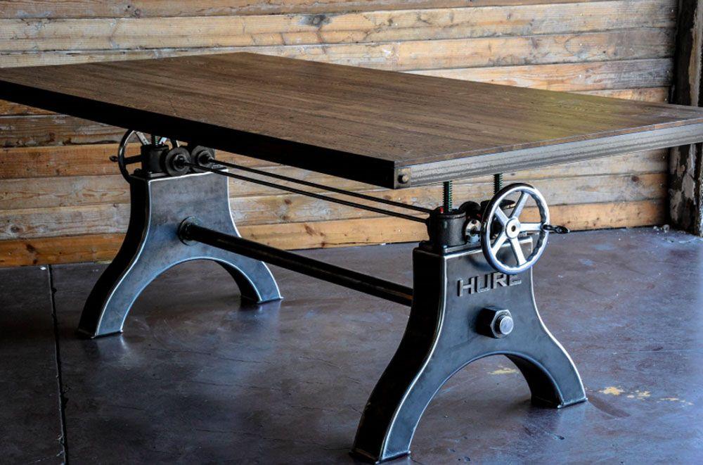 Винтажный стол для гостиной в лофтном стиле