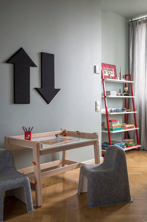 Столик для рисования с удобным стульчиком