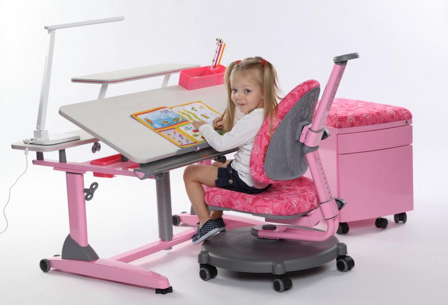 Розовый стульчик с регулировкой спинки и сидения