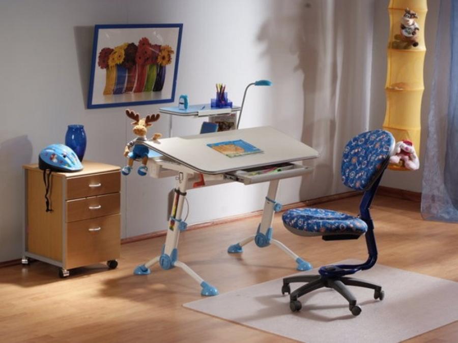 Набор мебели для ребенка школьного возраста