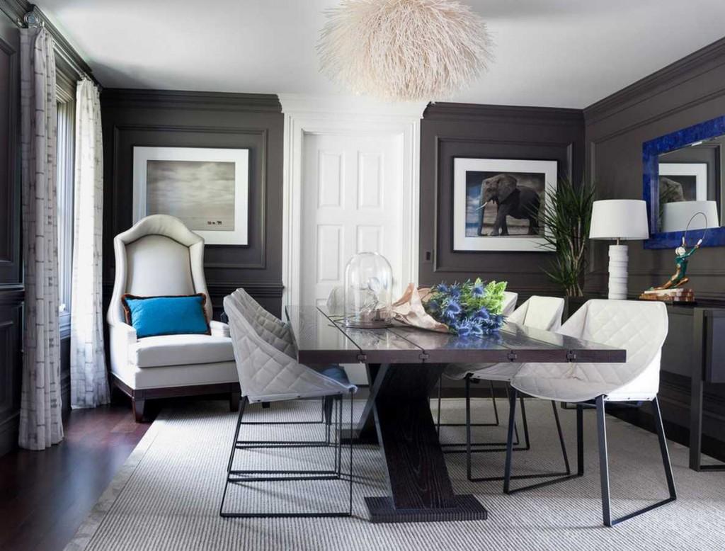 Светлая мебель в гостиной с серыми стенами