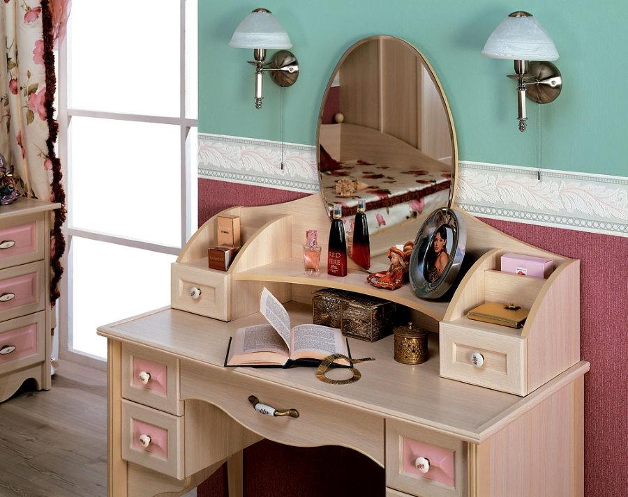Стильный туалетный столик для девочки подросткового возраста