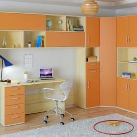 угловой шкаф в детскую комнату декор