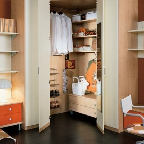 угловые шкафы в детскую комнату виды
