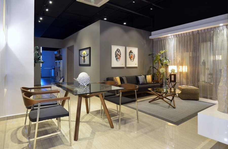 Черный потолок гостиной в стиле урбанизм