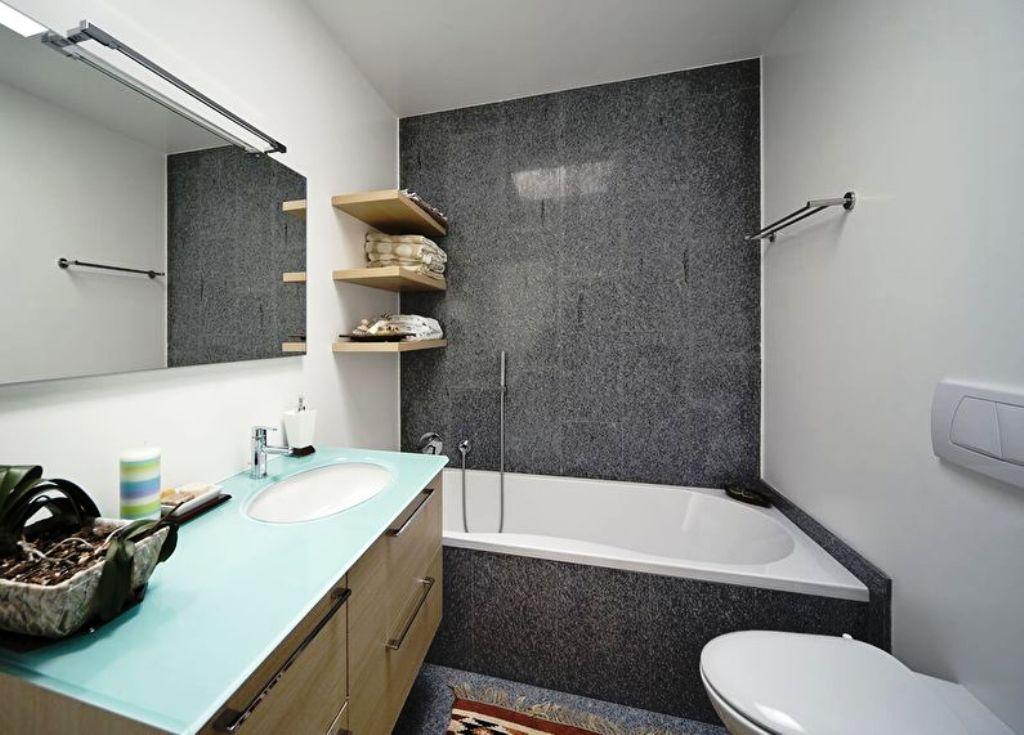 ванная комната в хрущевке деревянные полки