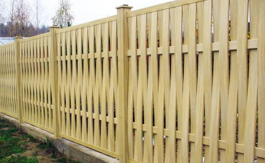 Новый забор плетенка вертикальный