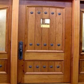 входные деревянные двери варианты фото