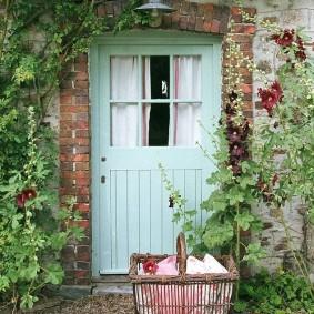 входные деревянные двери фото интерьера