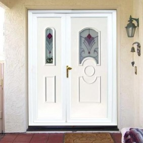 входные деревянные двери интерьер фото