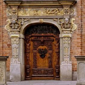 входные деревянные двери идеи декор