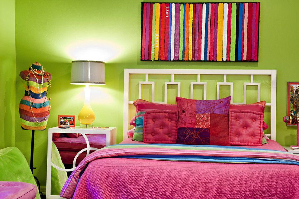 Зеленые стены детской комнаты для школьницы