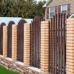 забор из евроштакетника фото декора