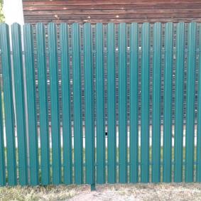 забор из евроштакетника интерьер