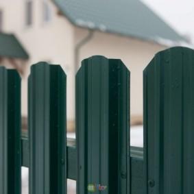 забор из евроштакетника виды дизайна