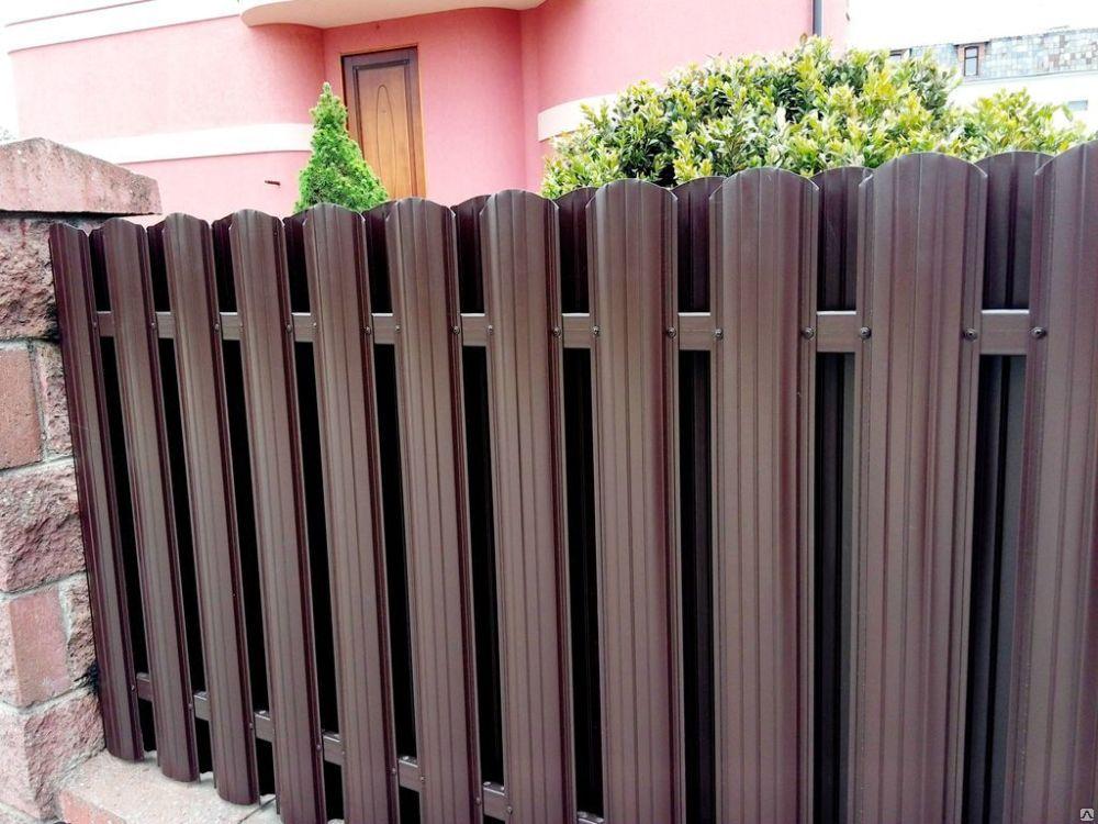 забор из евроштакетника фото идеи