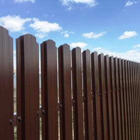 забор из евроштакетника варианты