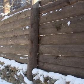 забор из горбыля декор