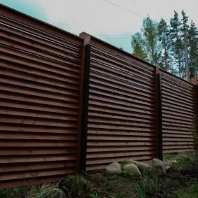 забор из горбыля декор фото
