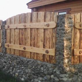 забор из горбыля фото оформления