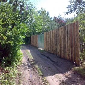 забор из горбыля фото идеи