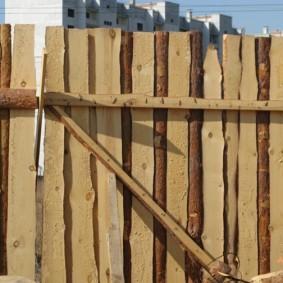 забор из горбыля обзор фото