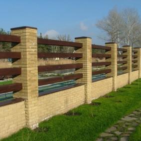 забор из кирпича дизайн