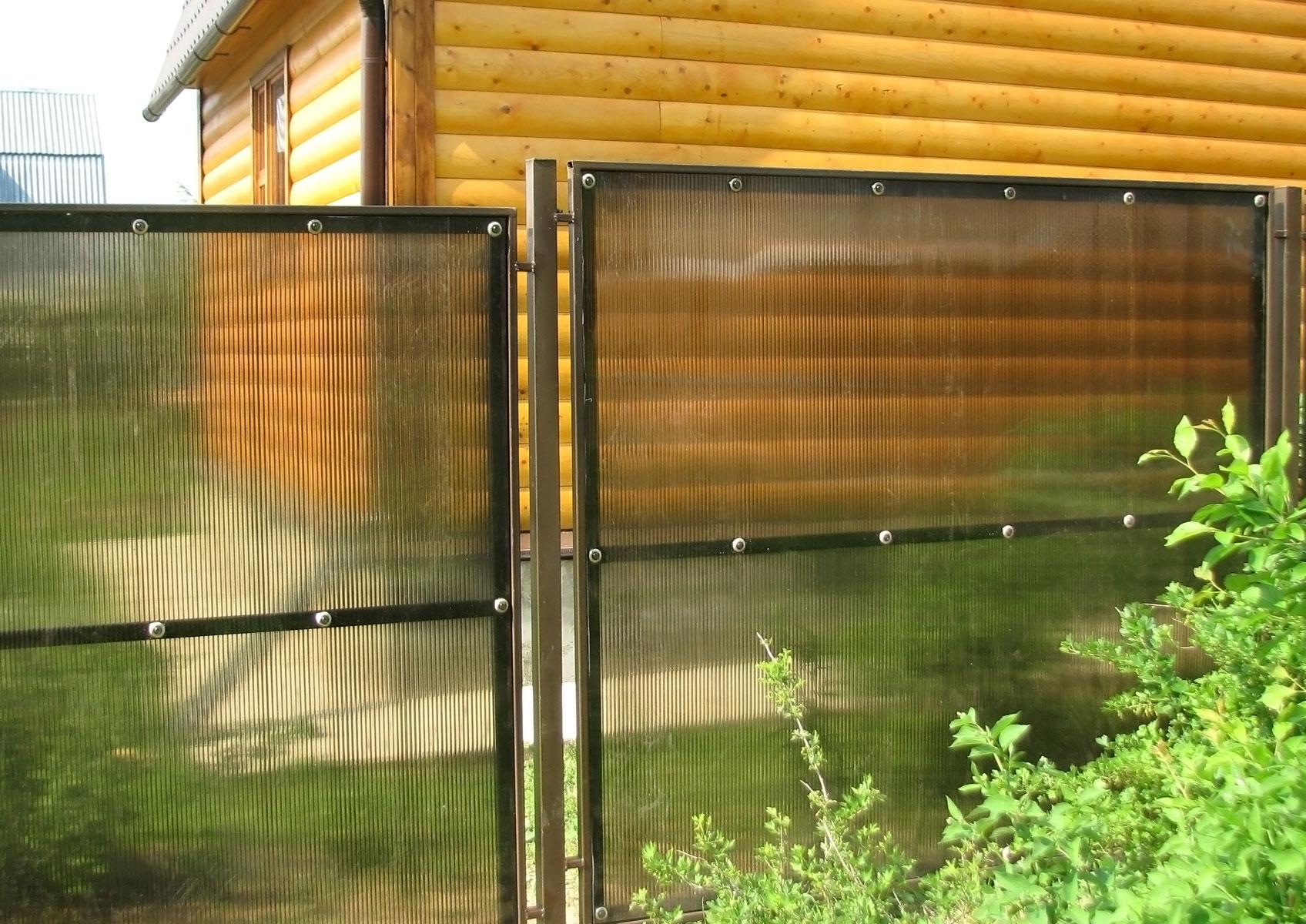 забор из поликарбоната дизайн идеи