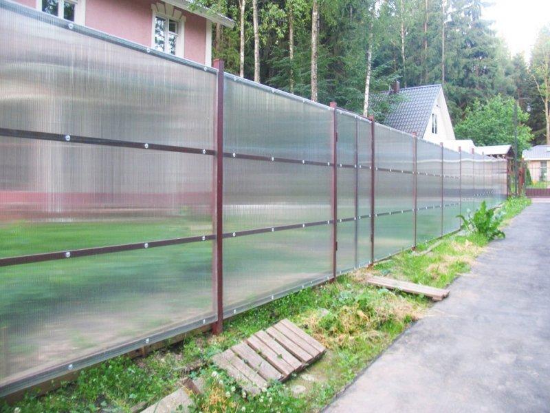 забор из поликарбоната идеи фото