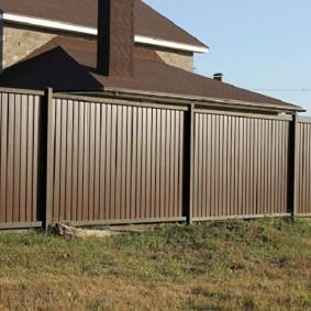 забор из профлиста для дачи
