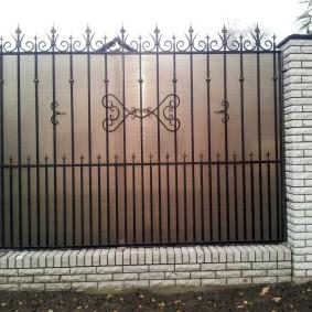 заборы из поликарбоната фото декора
