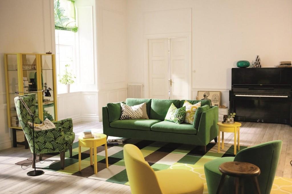 Зеленый диван в скандинавском стиле интерьера