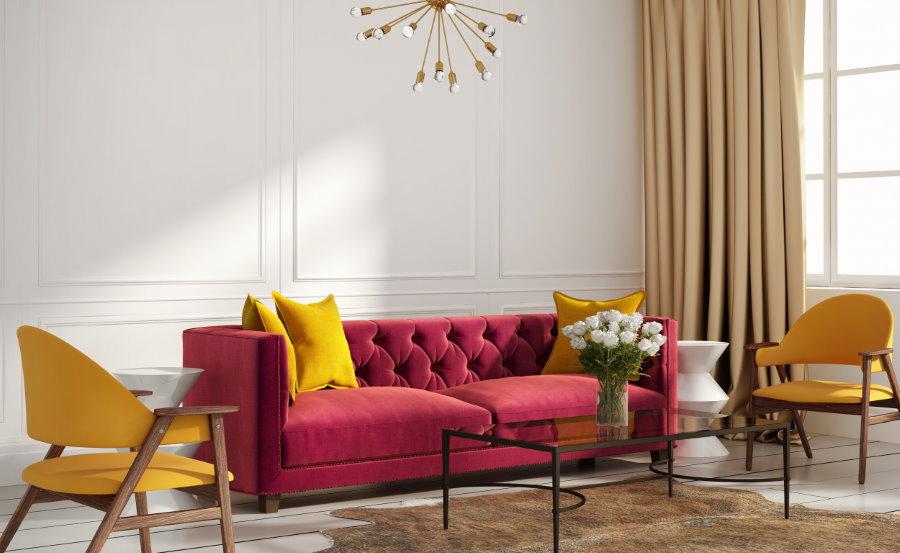 Декор гостиной яркими подушками