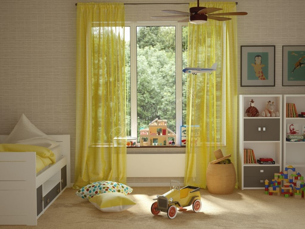 Желтый тюль в комнате маленького ребенка