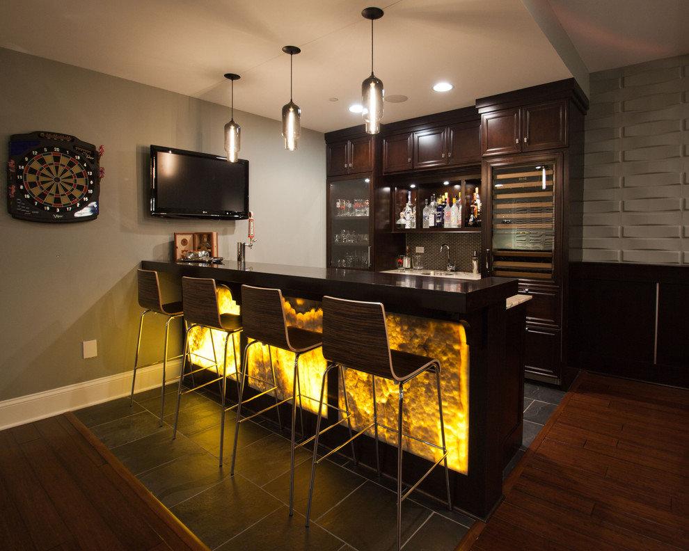 Зонирование кухни-гостиной барной стойкой с подсветкой
