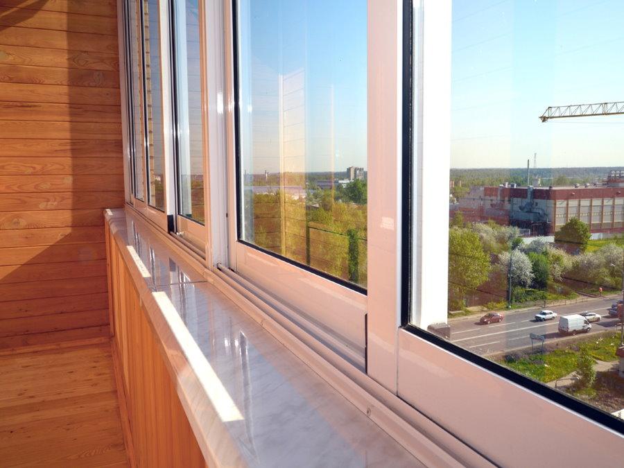 Раздвижное балконное окно из алюминиевого профиля